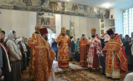 Приходская община Воскресенского храма на киевском Лесном кладбище отметила свое 30-летие